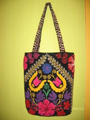 Нашла тут сумочку ручной работы, Узбекистан.  Понравилась.