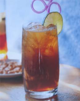 "Три вида коктейлей с виски -  ""Katti-orange "",  ""Katti-colа "",  ""Katti-apple..."