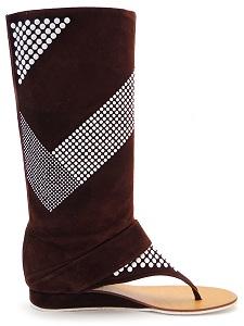 Модные сандалии-сапоги с голенищем украшенным белыми клепками испанской...