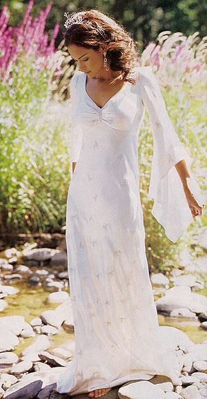 Свадебное платье с длинными рукавами обрело сильную популярность после...
