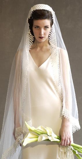 Комментарий: в ретро стиле. свадебные платья в.