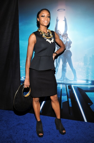 Photo of yaya dacosta from in time (2011)
