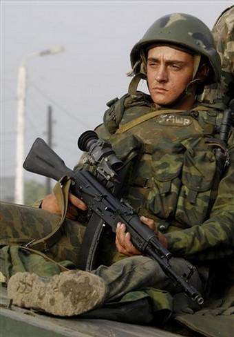 Денег чечене мало, сейчас они требуют и русских солдат.  Интересно когда они потребуют голову В...