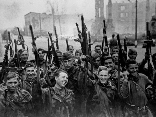 soldats soviétiques Post-1262958684