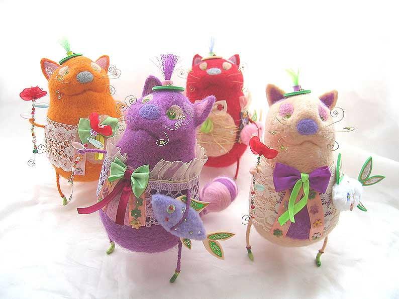 А можно поделиться ссылкой авторских валяных игрушек.