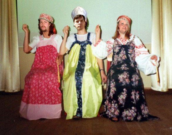 его сценки три сестрицы все лисы разных