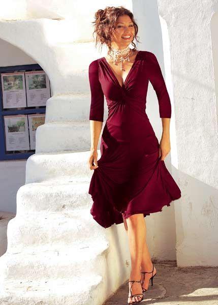 Цветная шанель приступает от звонкий праздник готическим платье и от...