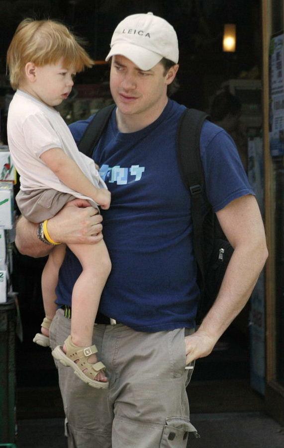 Брендан фрейзер с женой и детьми фото